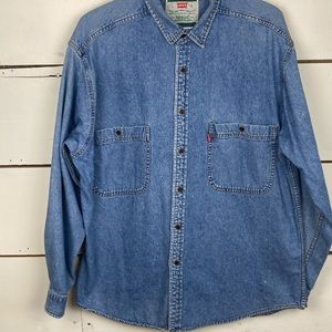 Levi's long sleeve button front top large